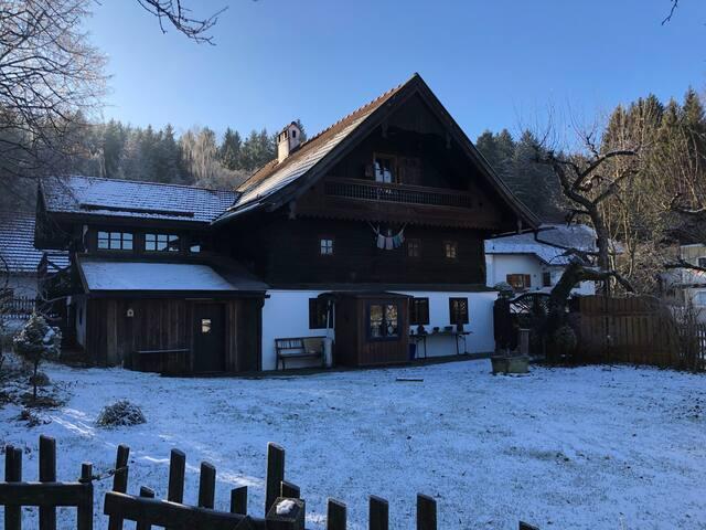 400 year old farmhouse,135 sq meters,garden,garage