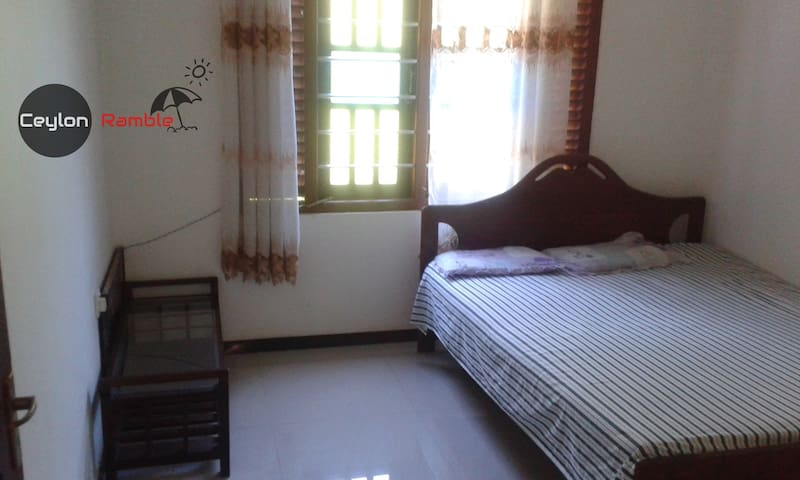 House for rent in hikkaduwa area - Hikkaduwa