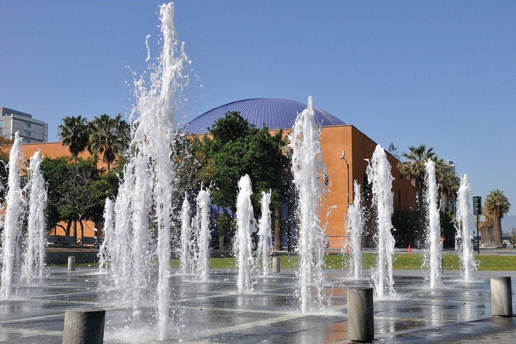 This is a park on more than two acres in downtown San Jose, California. It is a popular place to hang out as it is located near museums, food festival, open performances. A stroll through the park is complemented by beautiful water fountains, flower beds, and even an open-air theatre