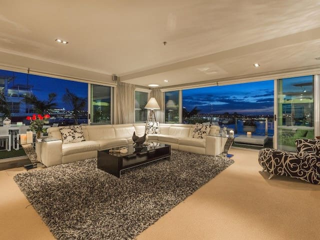 The Matisse Luxury Waterfront Apartments