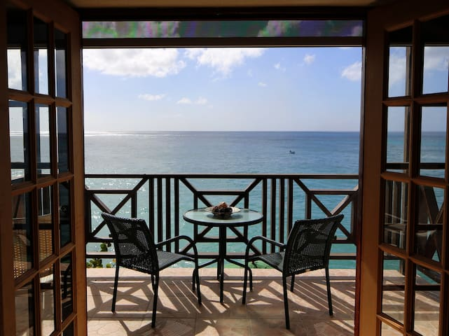 Oceanfront 2 Bed on West Coast - Sea Spray Villas