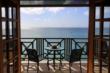 Oceanfront 2 Bed on West Coast - Sea Spray Villas
