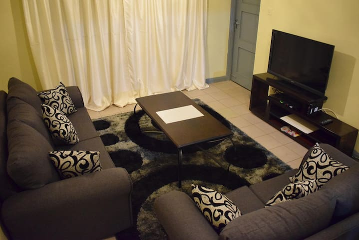 $45 3Bedroom 1 & 1/2 bath Apartment in South C - Nairobi - Apartment