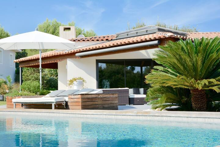 SUPERB MODERN VILLA WITH POOL IN MONTPELLIER