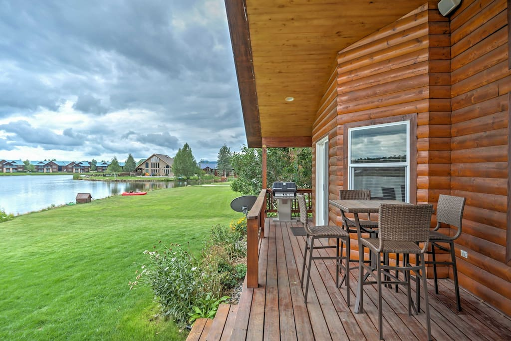 The property boasts stunning lake, mountain, and golf course views!