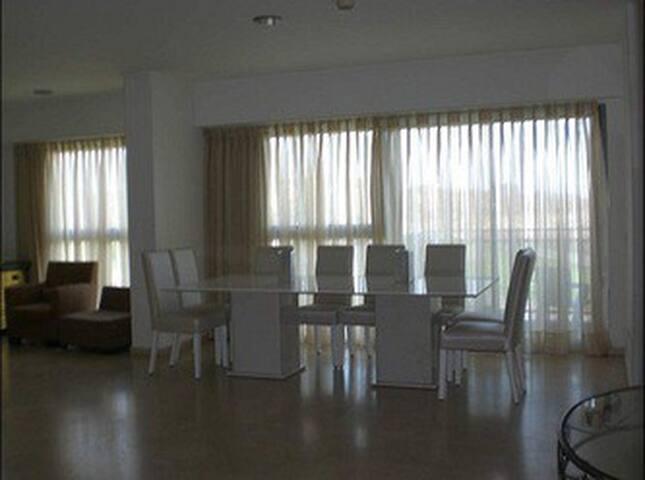 Okeanos Ba marina : spacious dining table (2.40 m) . ideally for a large family