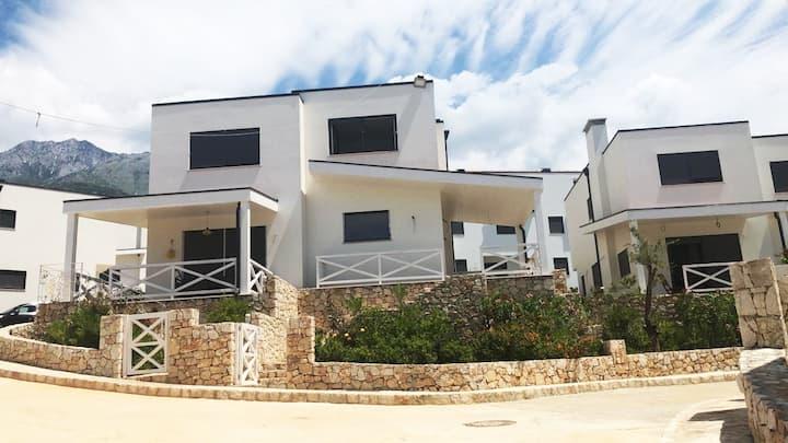 Wonderfull Villa with Seaside View