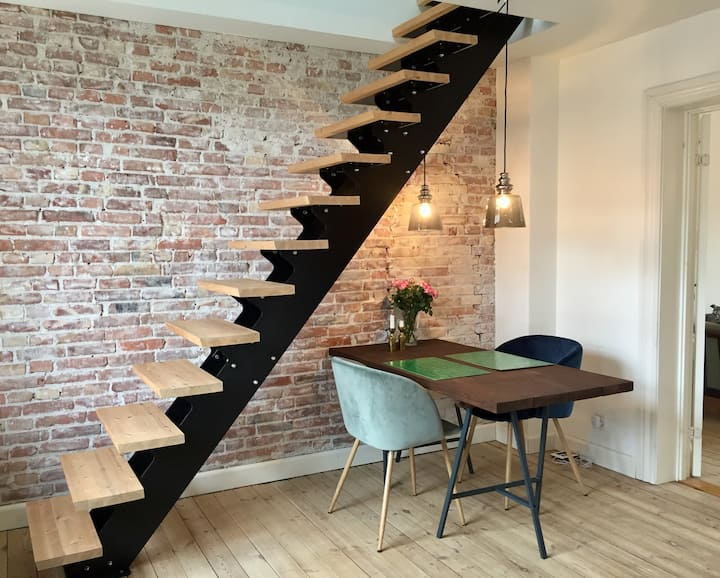 Charming 2 floors loft, light & great atmosphere