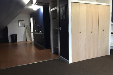 Entire 1BR Apartment w/ Wifi, more. - Worcester