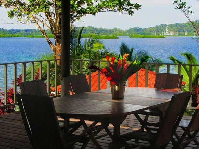 Red Hill Villa, Queen suit, ocean view