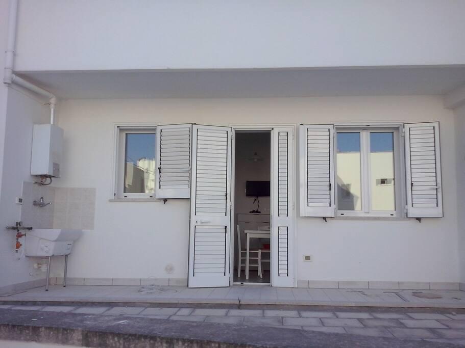 esterno con ingresso