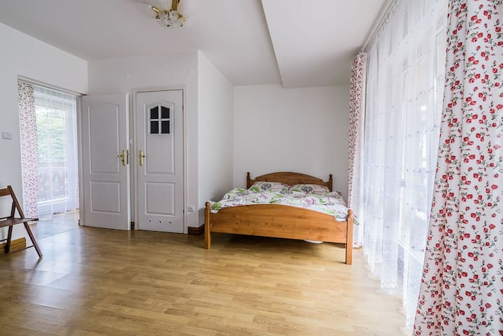 Cozy room in quiet area, close to town center