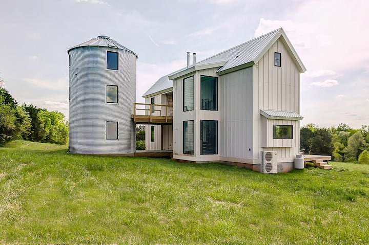 Iconic Virginia Farmhouse with Furnished Silo