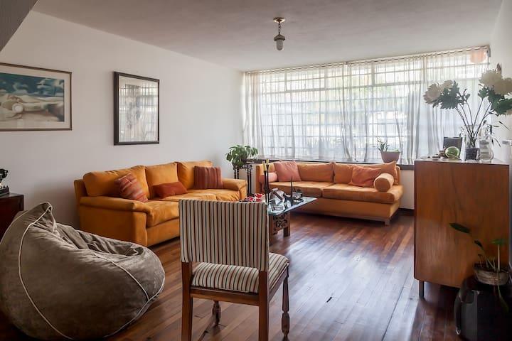 Large room in Bogotá -Santiago's Place C1 - Bogotá - Casa