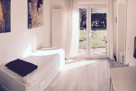 Private & Indipendent Suite - Magliaso - Magliaso - Rumah