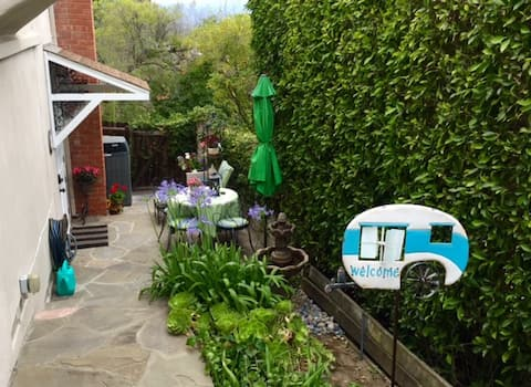 Sherman Oaks Studio in Foothills (CDC Sanitized)