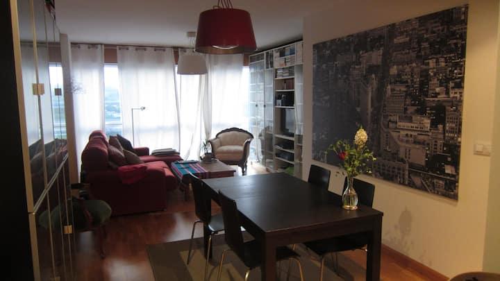 Moderno apartamento muy bien comunicado y equipado