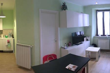 Comodo e nel centro storico - 35mq - Velletri - Apartmen