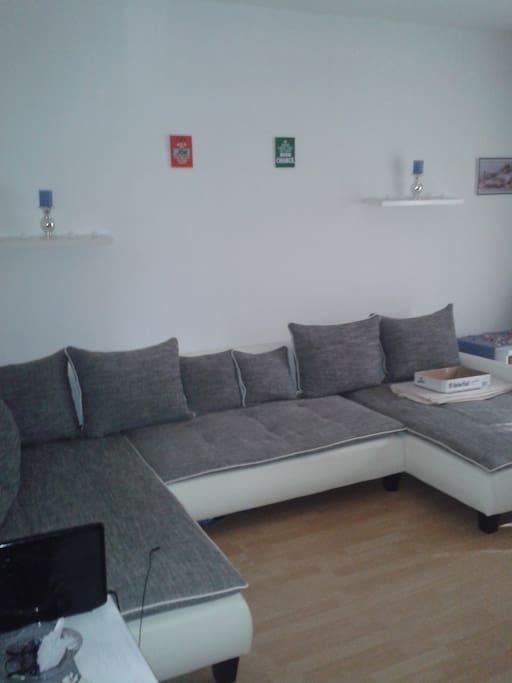 private zimmer in tegel wlan wohnungen zur miete in berlin berlin deutschland. Black Bedroom Furniture Sets. Home Design Ideas