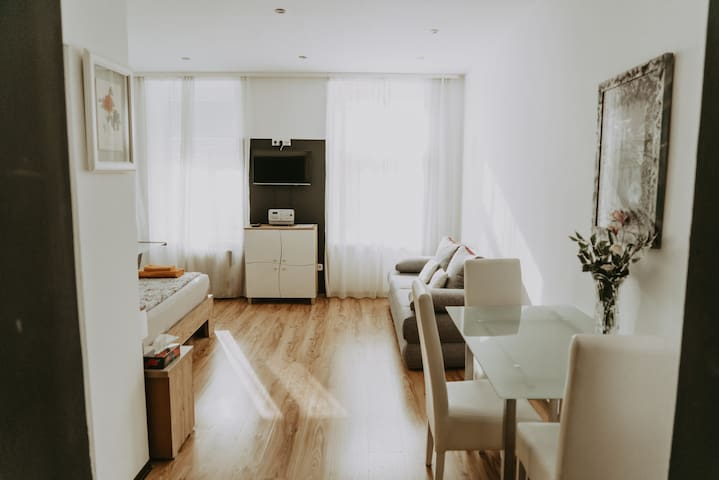 Cozy and central located Apartment Top 17