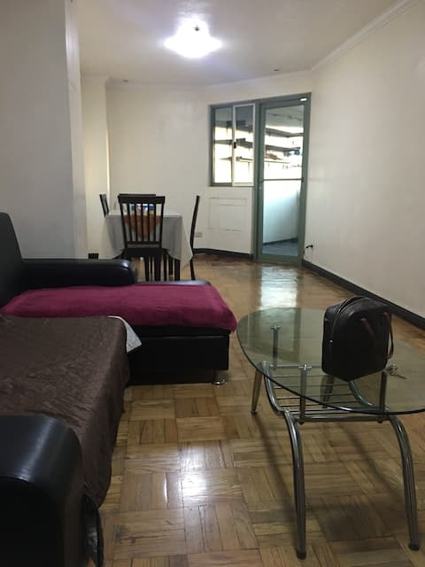Spacious 1 BR with Balcony for rent (near Cubao)