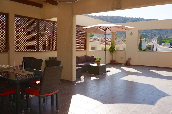 Penthouse  in Germasogeia Village - Germasogeia - Huoneisto