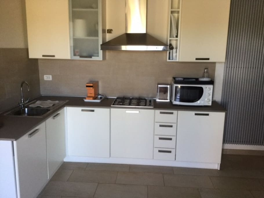 Full size open concept kitchen