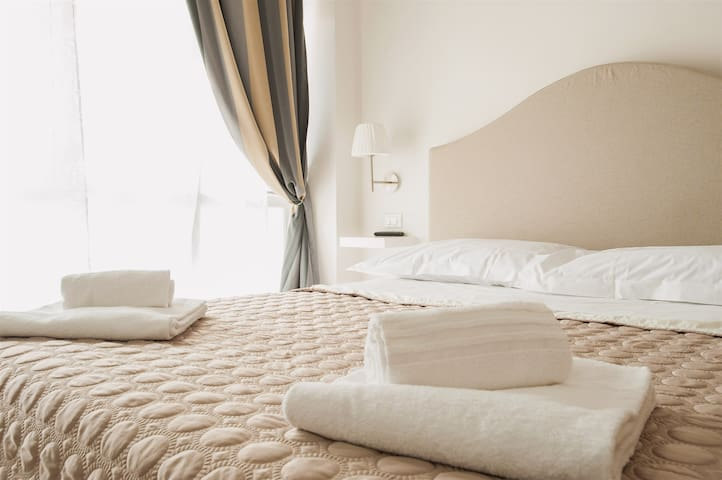 DUOMO LUX florence  2 bedrooms
