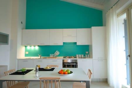 Moderne Ferienwohnung mit Pool - Cavaion Veronese - Apartment