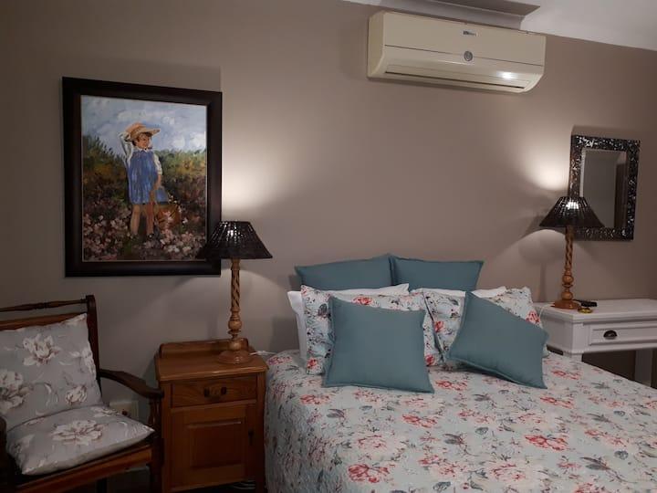 Melsetter's Guest Room 1