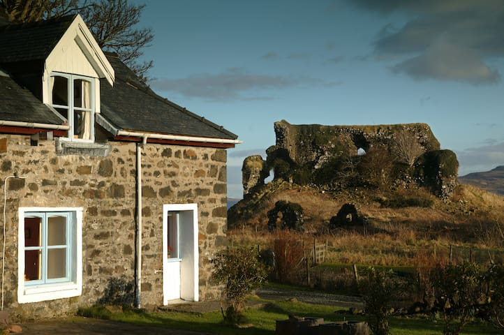 Castle Cottage