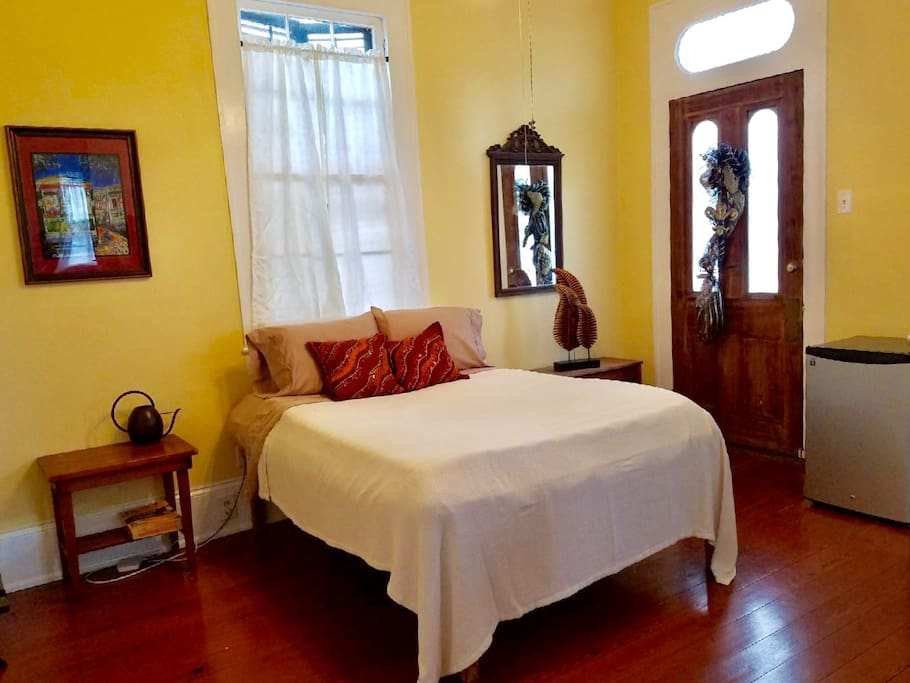 Clean & recently updated, old-world charm with modern ammenities.