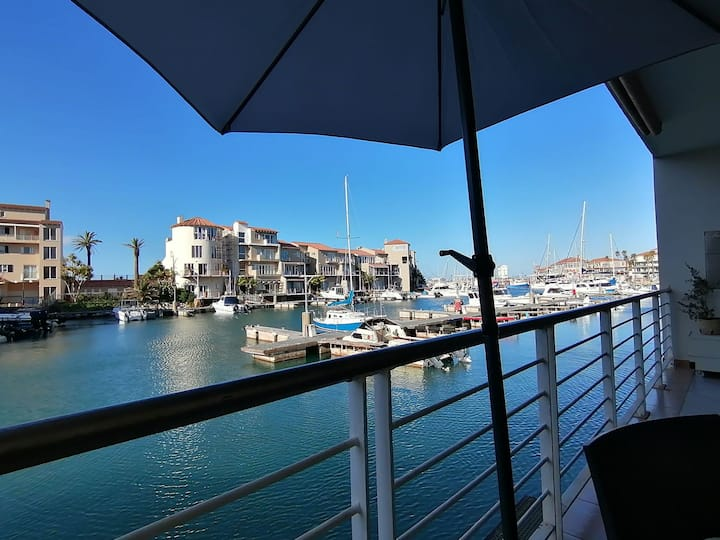 SPINNAKER Luxury on the water.3 bed 2 bath, patio