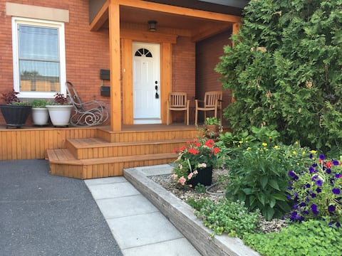 Relaxing Studio in Ottawa's Trendiest Neighborhood