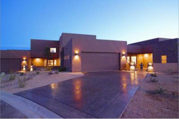 Beautiful Comfortable Home Located by Lake Powell - Page - Hus