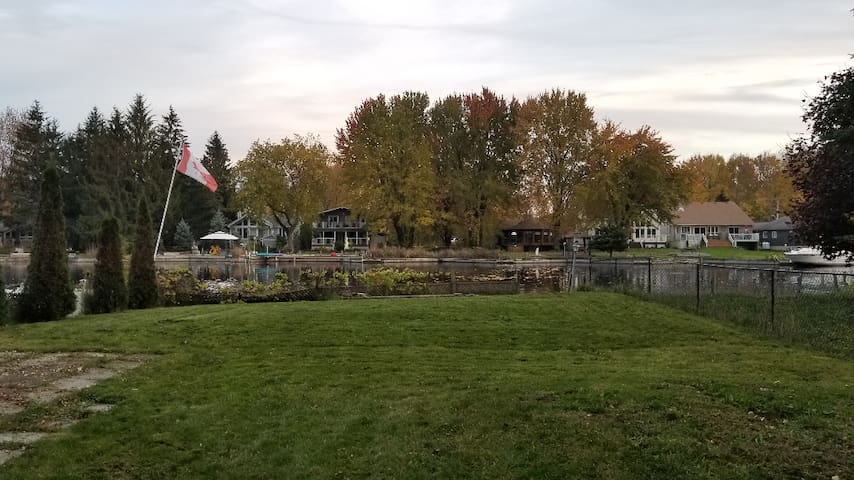 Waterfront Cottage on Lake Simcoe in Lagoon City