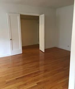 Studio Apartment- Sublet for 7 months. - Chicago