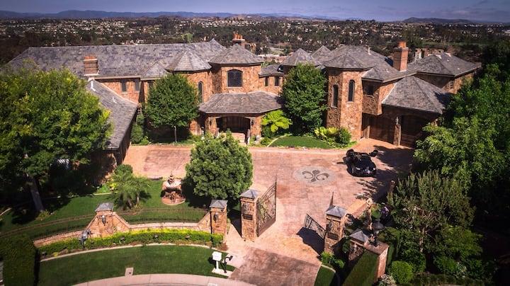 Mythea Castle Stunning Laguna Hills Getaway