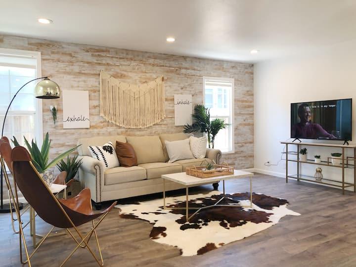 Luxury Modern 3B2B Home Near Stanford w/Parking&WD
