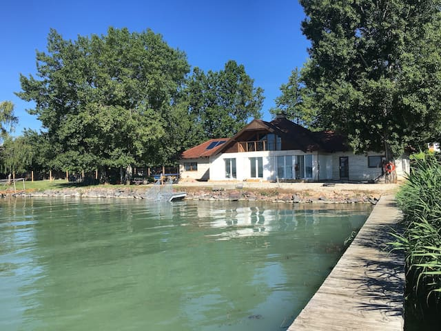 Balaton vízparti 180nm ház - Balatonszepezd - Huis