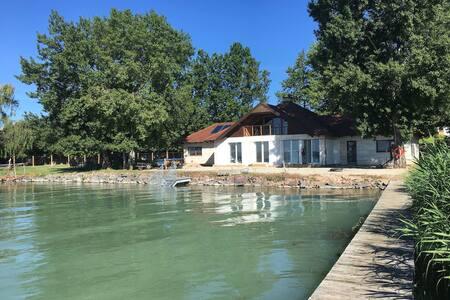 Balaton vízparti 180nm ház - Balatonszepezd - Haus