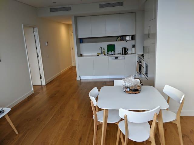 Two Rooms Serviced Apartment, Cleaning, Gym!