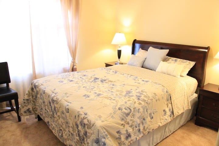 普通双人床    Regular double bed