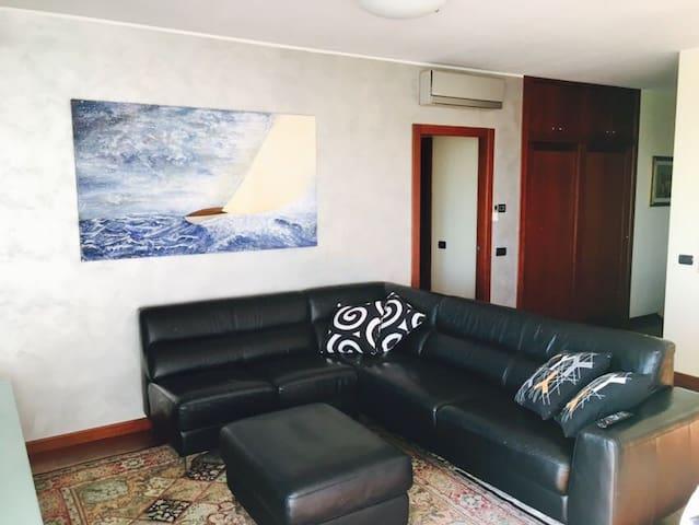 Ampio, luminoso ed accessoriato a nuovo, 4 locali. - San Donato Milanese - Wohnung
