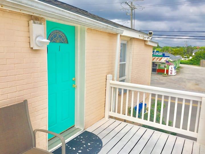 """""""Beachside Suites"""" suite 1"""