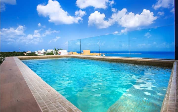 2bed, 1bath OCEAN VIEW, POOL, CLOSE TO THE ACTION