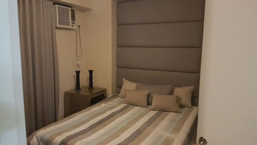 2 br condo fully furnished wifi - Quezon City