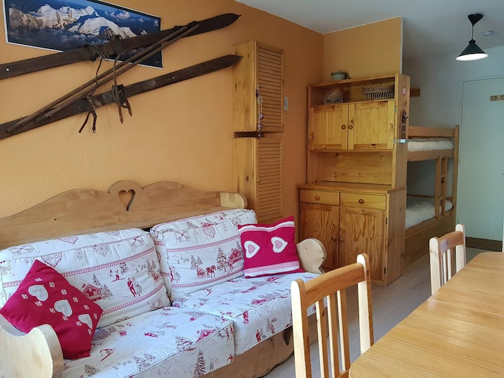 Studio for 3 persons in Arc 2000 close to the ice-rink