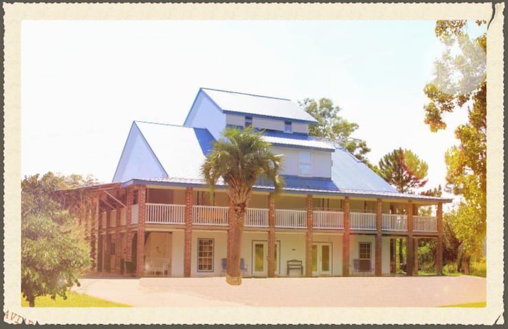 Lematidora Inn  Check web.