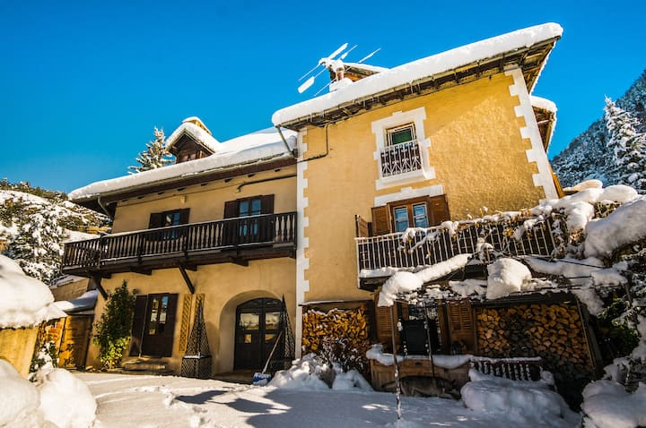 Spacious 5 bedroom Chalet, Serre Chevalier